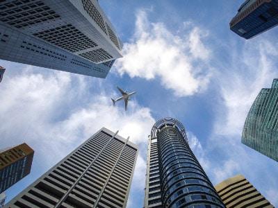 为什么要成立新加坡公司作为中介子公司