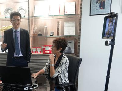 总理公署高级政务部长杨莉明走访了3E会计公司