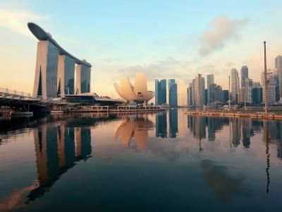 Singapore Economy Gets $100 Billion Support